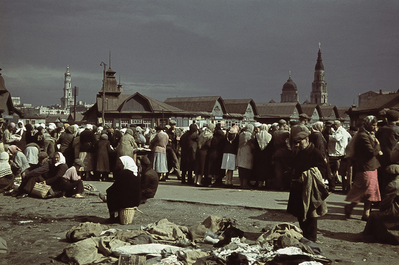 Hermann Höfke Photos from occupied Kharkov in 1942 Color photo