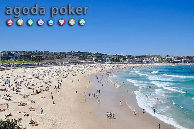 Heboh Masker Berserakan di Pantai Australia Ternyata Ini Penyebabnya
