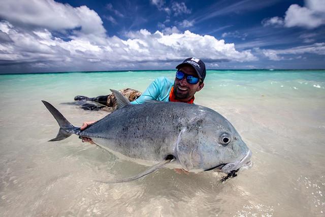 kanton-atoll-gt-giant-trevally-fly-fishing-kiribati-25
