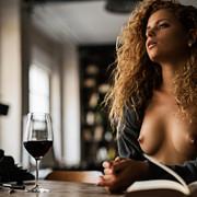 sensual-reading-d23bff28-3e02-41de-a7cb-a3e4284c205f