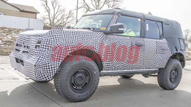 2020 - [Ford] Bronco VI - Page 8 6-C8-FD229-8851-4525-BB64-E41-CE456-EFD7