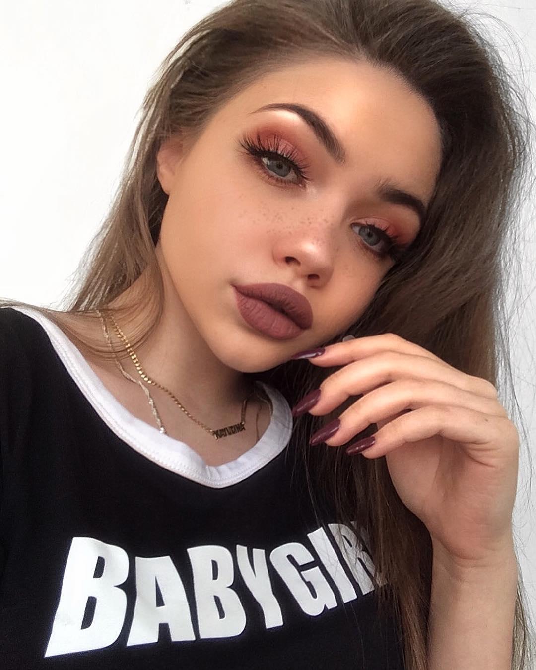 Eliza-Kayudina-Wallpapers-Insta-Fit-Bio-16