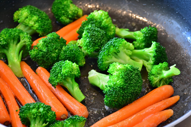 orange-dish-meal-food-produce-vegetable-healthy-eat-delicious-carrot-broccoli-cook-stew-nutrition-ve
