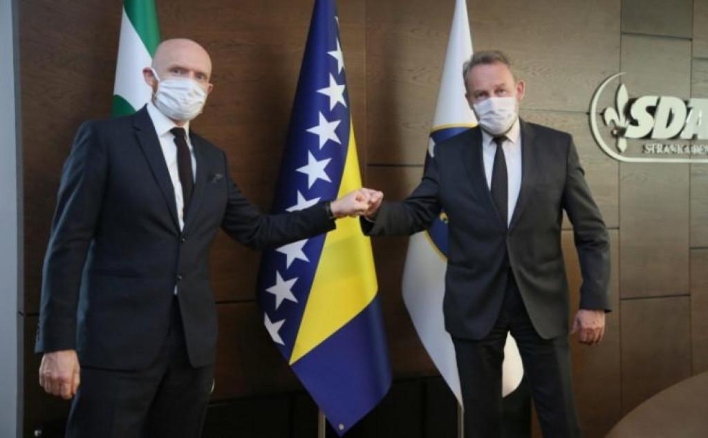 Izetbegović ugostio ambasadora Fielda: Razgovarano je o borbi protiv pandemije koronavirusa i mogućnosti nabavke vakcina!
