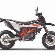 2019-KTM-690-SMC-R-supermoto-09