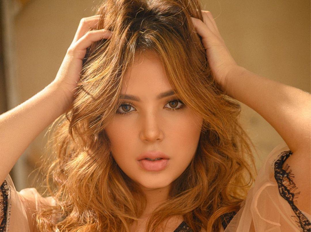 Anabel-Ramirez-Wallpapers-Insta-Fit-Bio-4
