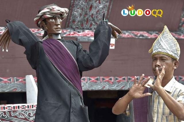Cerita Patung Menari Sigale-gale dari Pulau Samosir