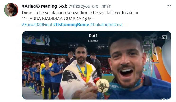 """Dimmi che sei italiano senza dirmi che sei italiano. Inizia lui """"GUARDA MAMMAA GUARDA QUA"""" #Euro2020Final #ItsComingRome #ItaliaInghilterra"""