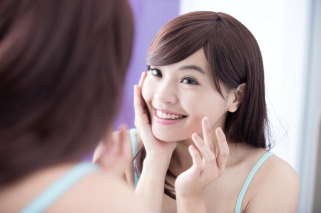 applying-cream-i-Stock-000077244543-Small