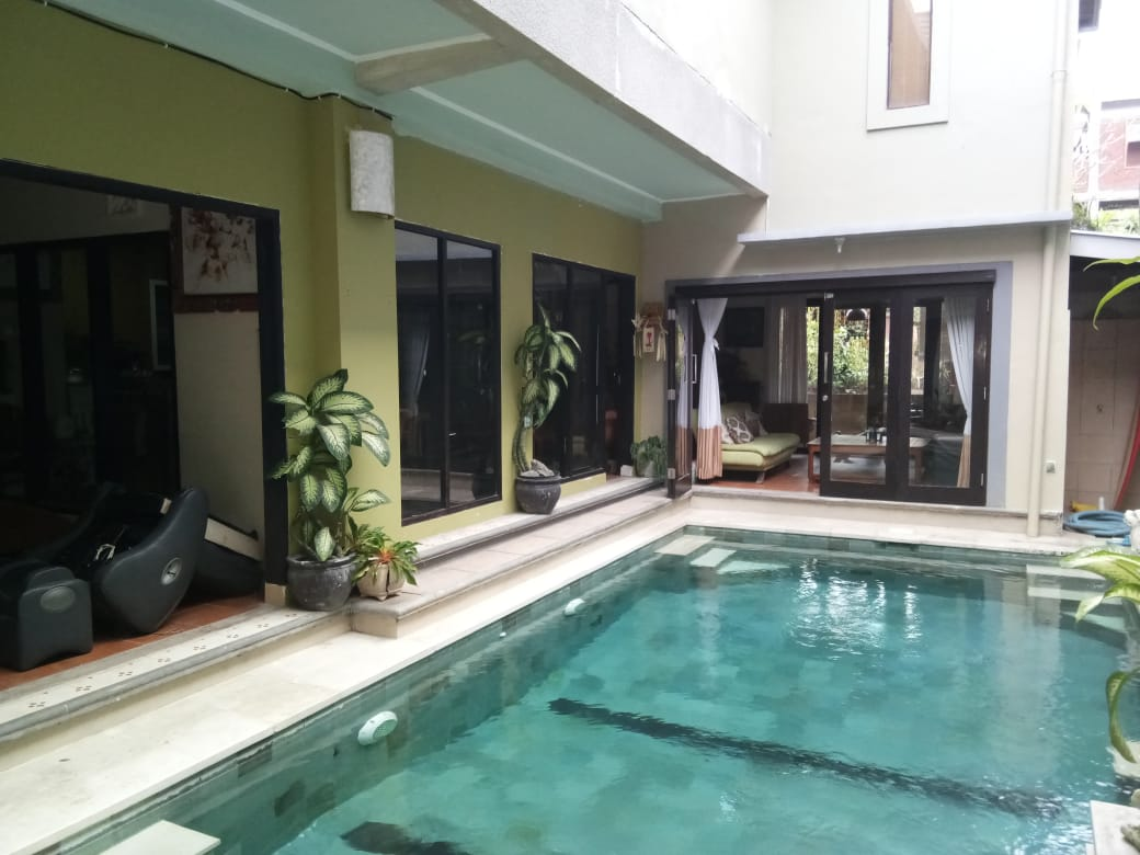 FREEHOLD 6 BEDROOMS HOUSE IN DENPASAR - BALI