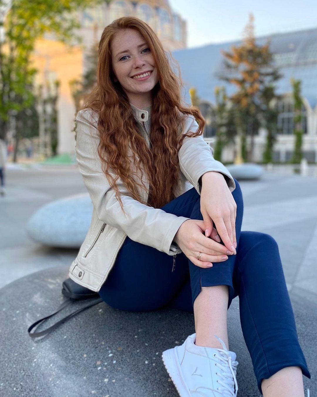 Anastasiya-Solenova-Wallpapers-Insta-Fit-Bio-6