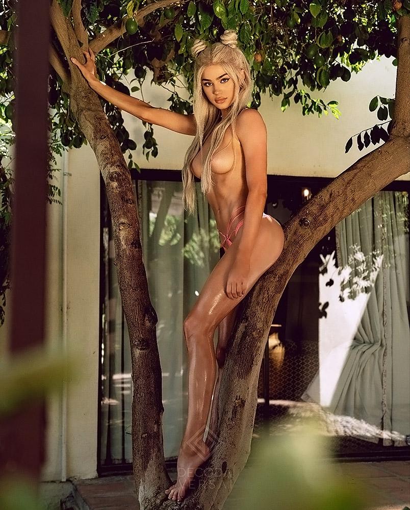 Kristen-Hancher-Nude-Naked-Topless-108
