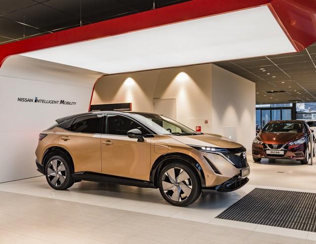 Nissan déploie son nouveau logo dans son réseau de concessionnaires européens DSC9994-source