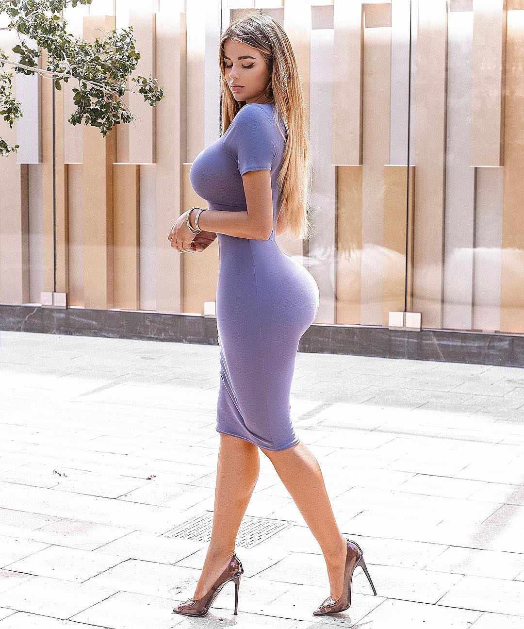 Anastasiya-Kvitko-Wallpapers-Insta-Fit-Bio-9