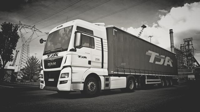 https://i.ibb.co/X8Y0Yw6/Euro-Truck-Simulator-2-Screenshot-2021-01-10-22-45-59-08.png