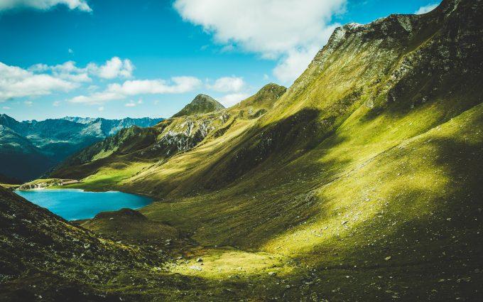 [Image: Mountains-3840x2160-lake-greenery-landsc...80x425.jpg]