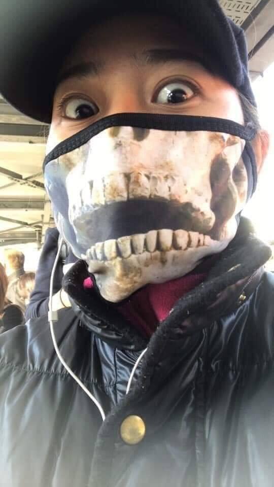 DERETAN Masker Anti Corona Paling Viral, dari Muka Jutek ...
