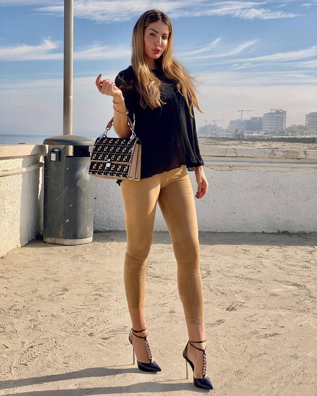 Jessica-Zanazzi-Wallpapers-Insta-Fit-Bio-7