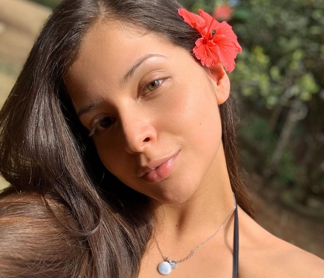 Natalia-Carvajal-Wallpapers-Insta-Fit-Bio-13