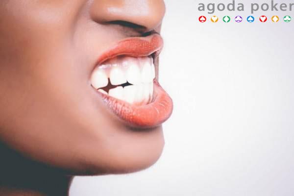 Cara Menghilangkan Karang Gigi Tanpa ke Dokter, Ini 6 Solusi Ampuhnya!