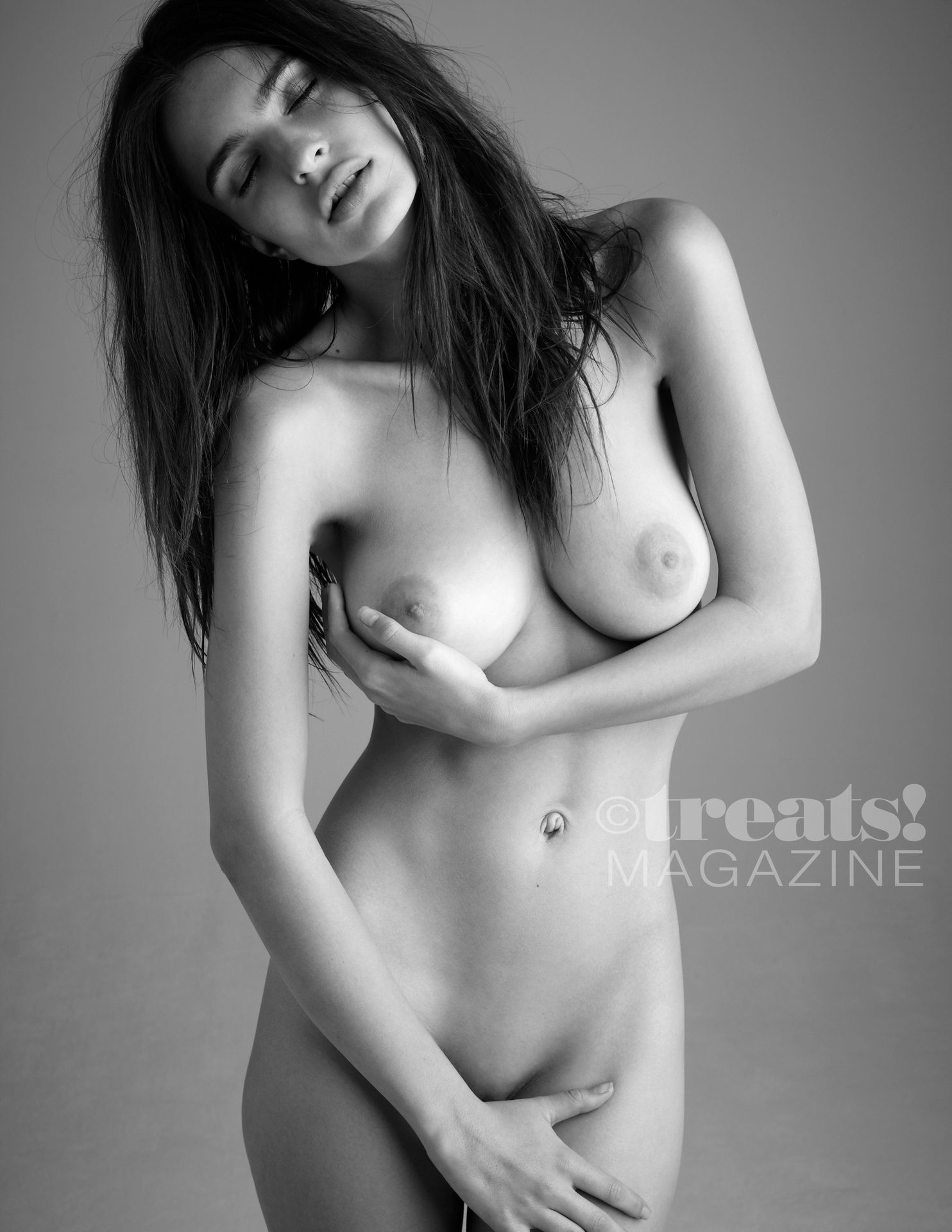 Emily-Ratajkowski-Nude-The-Fappening-Blog-3