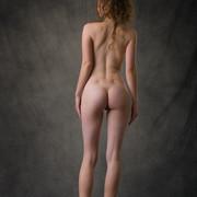 susann-shamelessly-showcases-an-amazing-curvy-body-04-w800