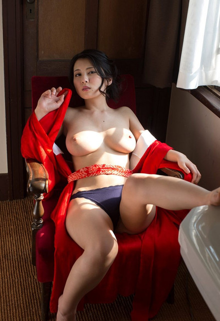 china-matsuoka-kimono-nude-asian-boobs-10-800x1165