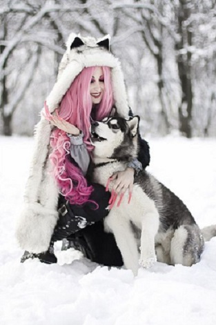 313644eb2d410e5dde74d6d114336f7e-happy-animals-gothic-people