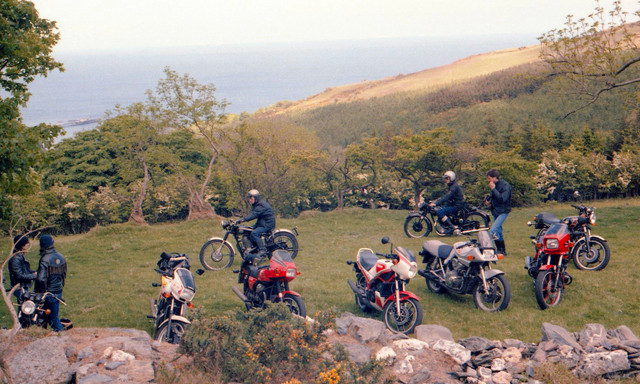[Image: 1984-Isle-of-Man-Mate-and-other-bikers.jpg]