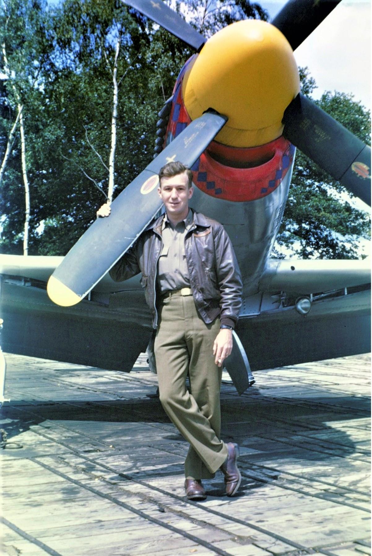 P-51-D-Mustang-Bush-OCW-2-Farb-2.jpg