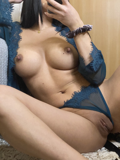 Baby-Girl-Glo-Only-Fans-2021-02-05-2021684432-would-u-like-coming-home-to-me