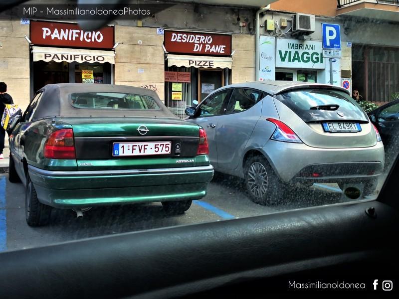 avvistamenti auto storiche - Pagina 23 Opel-Astra-Cabriolet-1-4-1-FVF575-2