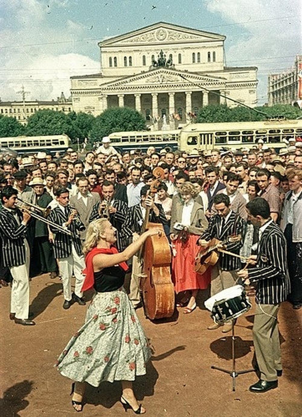 festival molodezhi studentov Moskva 1957.jpg 14