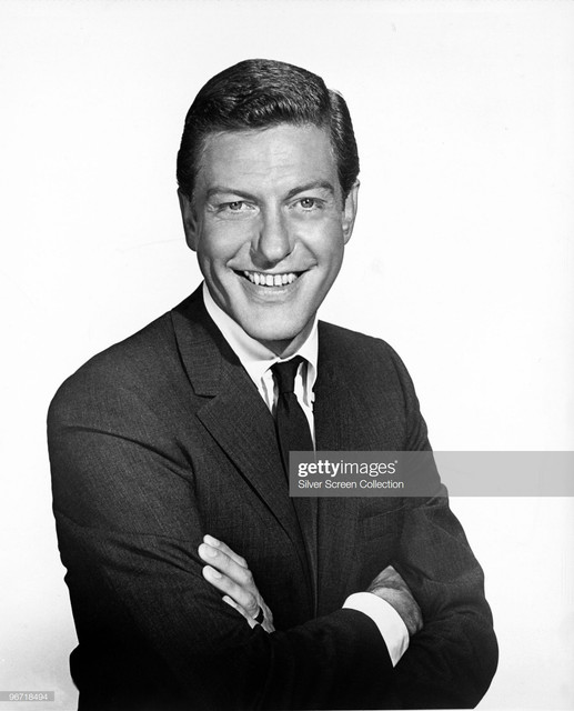 American-actor-and-comedian-Dick-Van-Dyke-circa-1960-Photo-by-Silver-Screen-Collection-Getty-Images.jpg