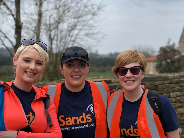 Emily-Callan-and-team-took-part-in-York-to-Helmsley-Marathon-in-memory-o