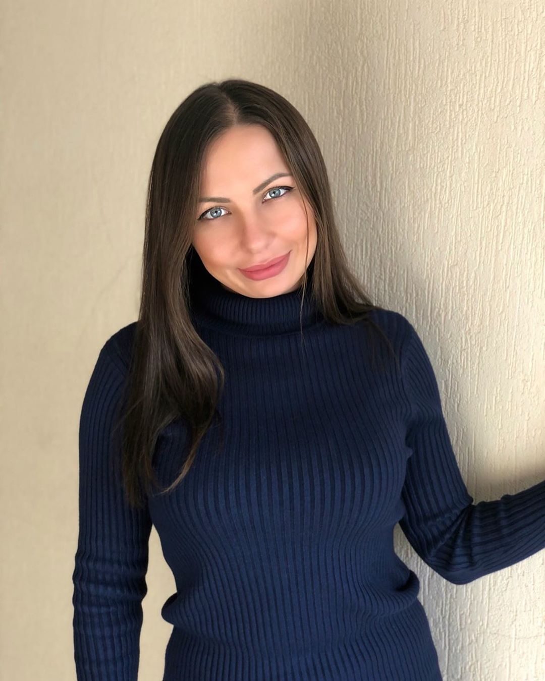 Mindiyarova11-Wallpapers-Insta-Fit-Bio-2