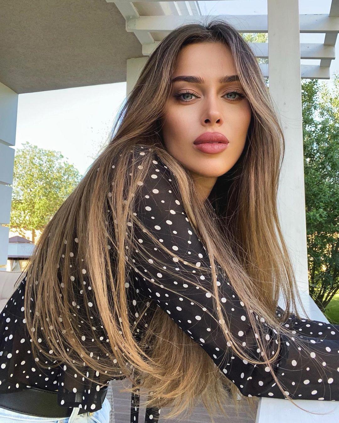 Miranda-Sheliya-Wallpapers-Insta-Fit-Bio-8