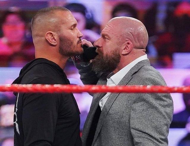 Randy Orton retó a Triple H y no acepta