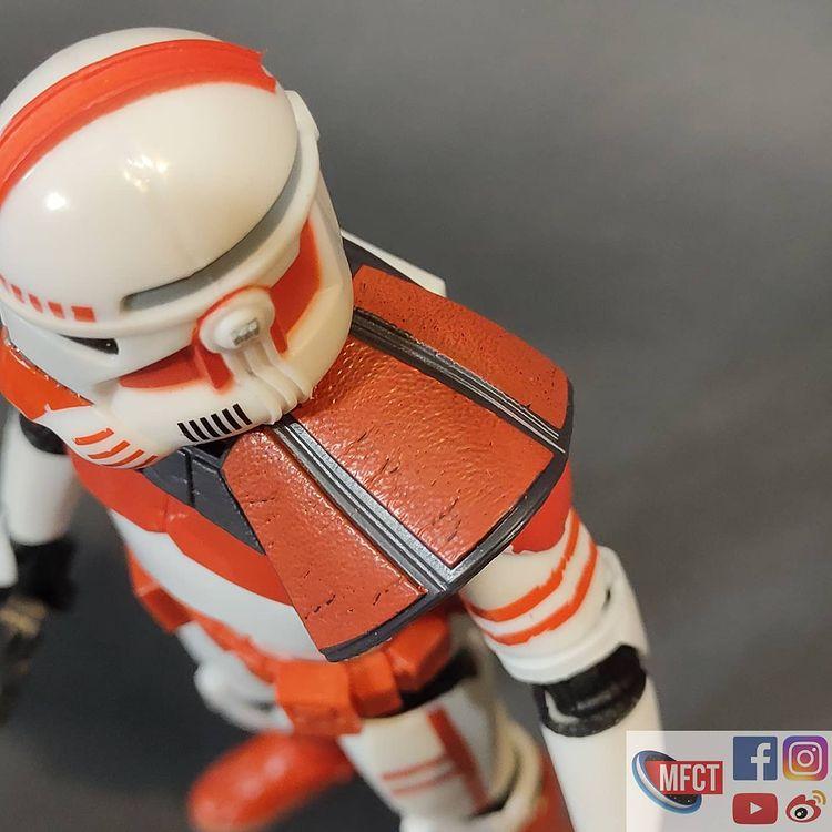 BS-Imperial-Shock-Clone-Trooper-The-Bad-Batch-In-Hand-Loose-5.jpg