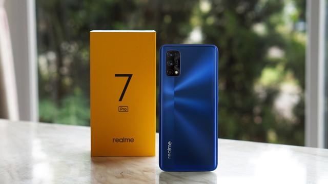 realme-7-Pro-2