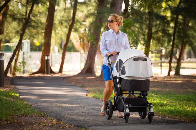 Можно ли гулять с новорожденным во время карантина