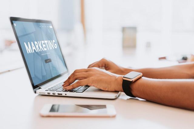 notebook-e-mail-marketing-pequeno-neg-cio