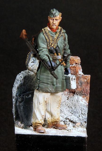 Le soldat oublié. (Fig Panzer Art 1/35) TERMINE IMG-3398
