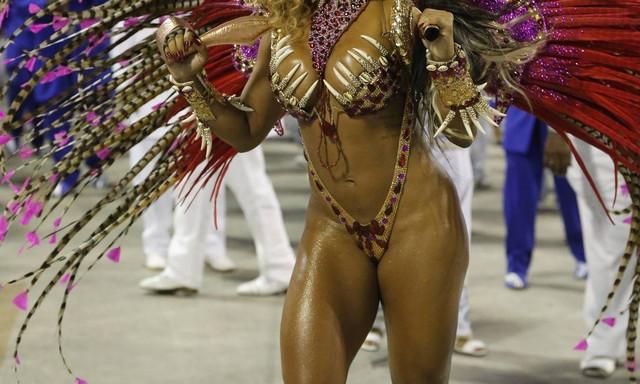 x81407449-RIRio-de-Janeiro-RJ04-03-2019-Desfile-das-escolas-de-samba-do-grupo-especial-SEGUN-jpg-pag