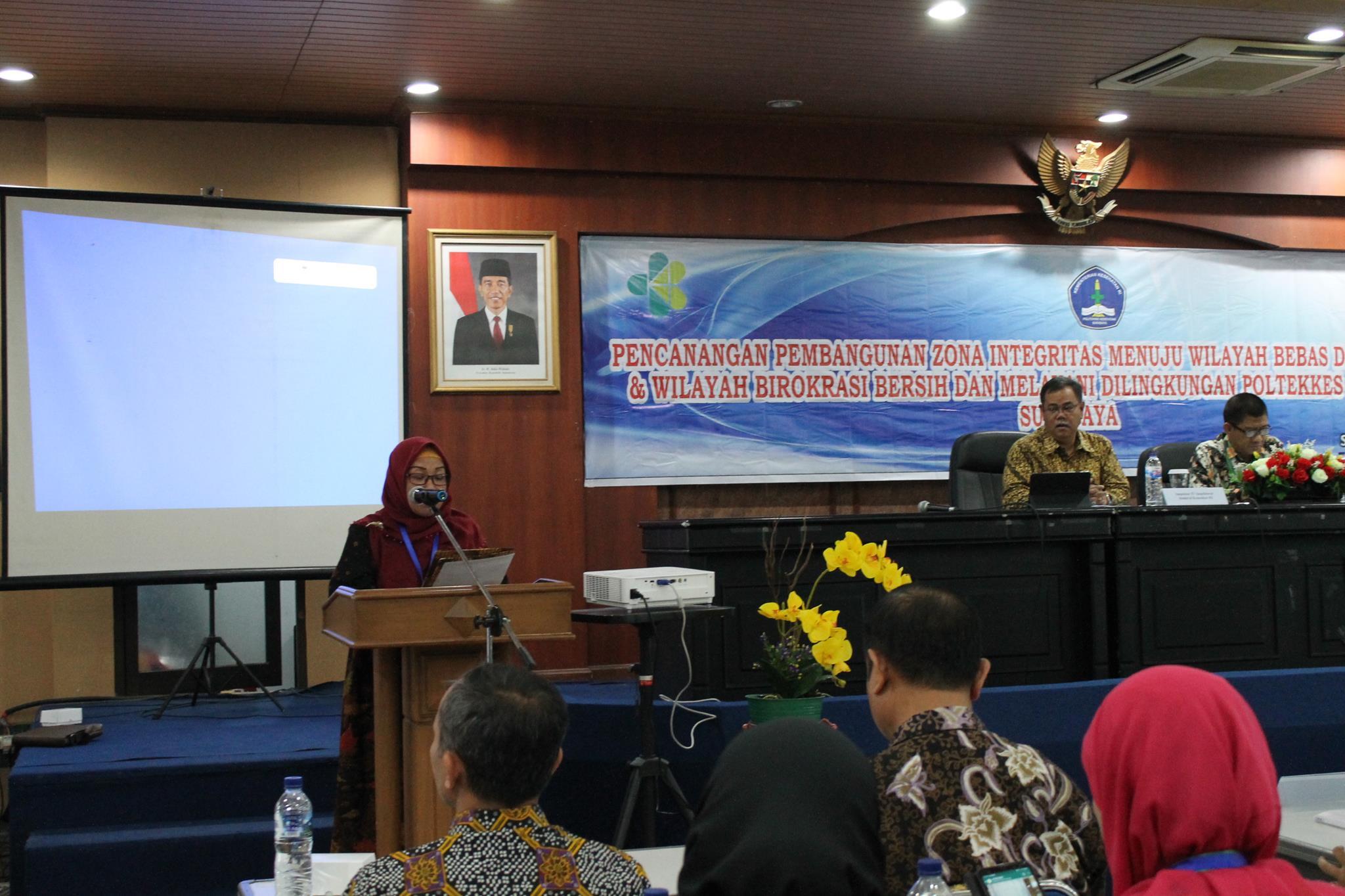 Pencanangan Zona Integritas Dan Wilayah Bebas Dari Korupsi Politeknik Kesehatan Departemen Kesehatan Surabaya