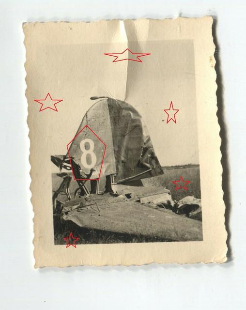 7-31-Foto-Leitwerk-von-Bomber-Nummer-8
