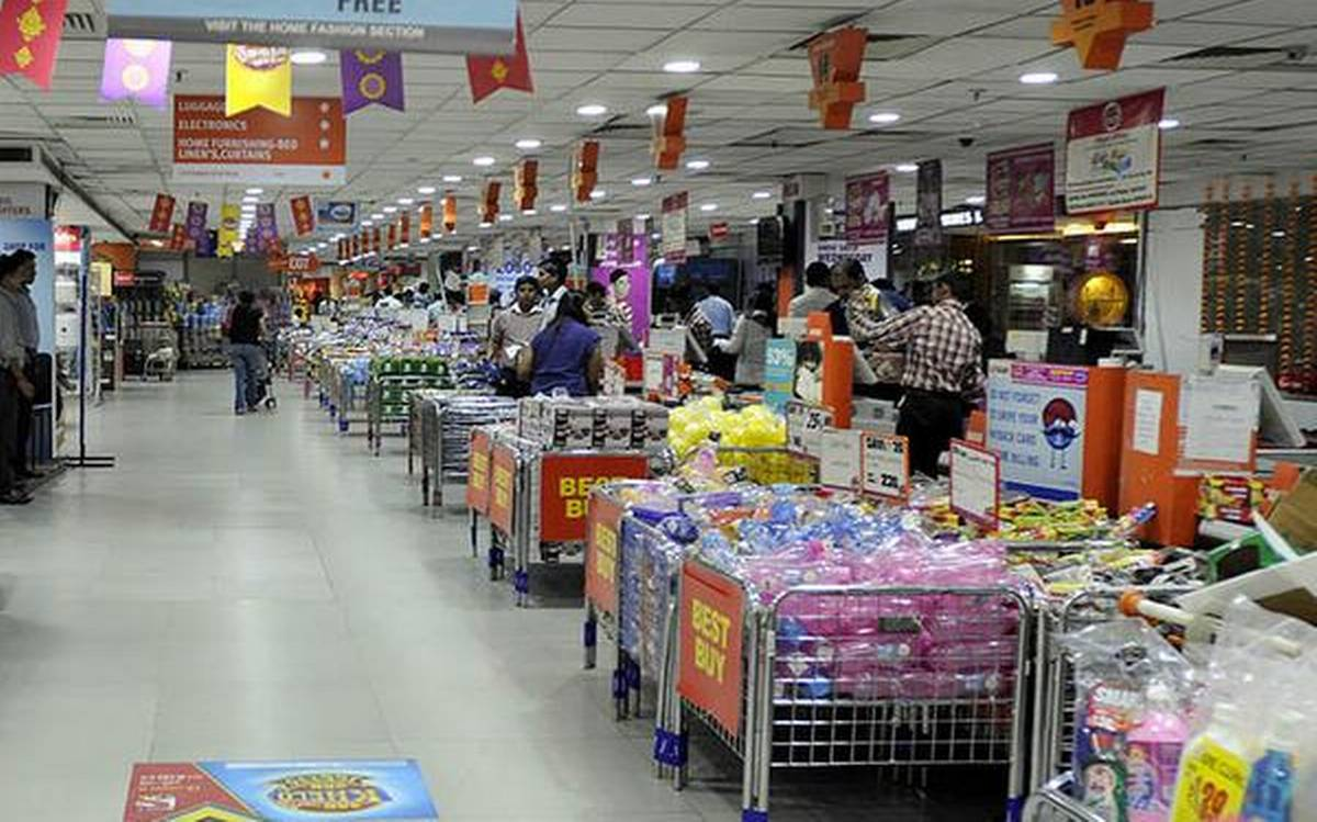 HC stays the single judge order restraining Future Retail from going ahead with Reliance deal