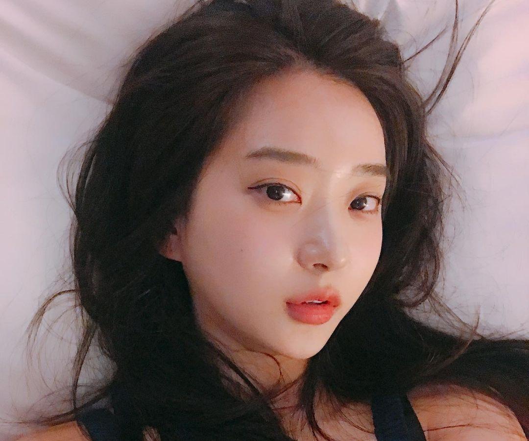 Shin-Jae-Eun-Wallpapers-Insta-Fit-Bio-16