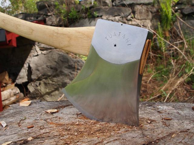 tuatahi-work-axe-review-2.jpg