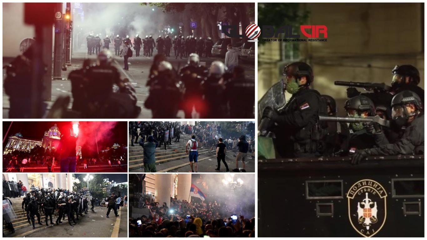 (VIDEO) SUZAVAC, PENDRECI, ŠOK BOMBE, PSI I KONJICA! Situacija u Beogradu izmakla kontroli, sukobi policije i demonstranata potrajali su do duboko u noć!